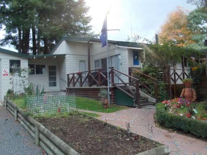 experience your own cosy lodge in rotorua